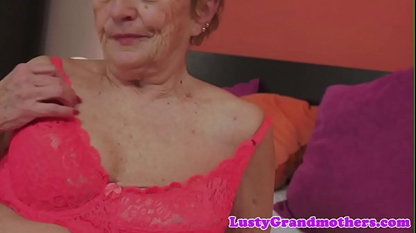 Saggy, Granny pussy