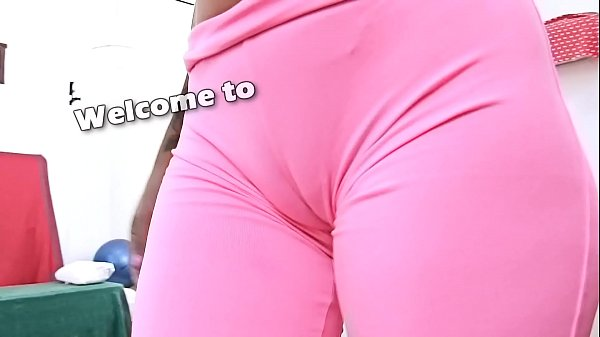 Huge ass, Cameltoe, Yoga pant, Latina big ass